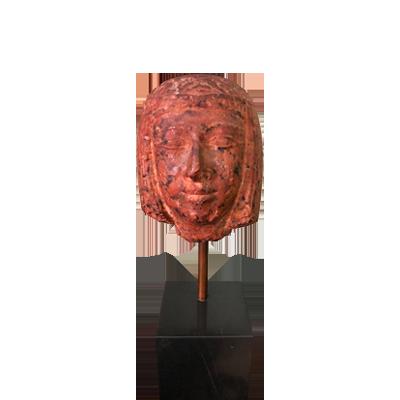 cabeza-de-mujer-en-porfido-color-rojo-1